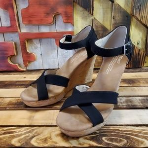 Toms Wedges Women's Size 8